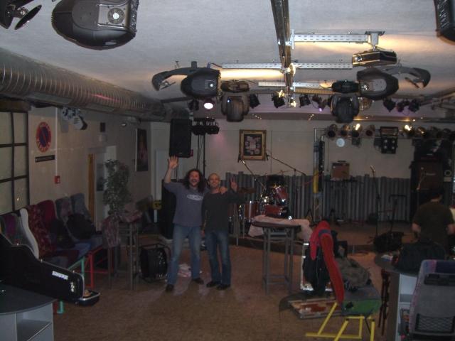 strongbow-garage-6122008-karl-0004.jpg