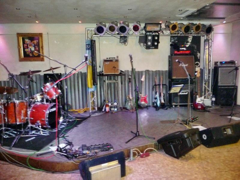 strongbow-garage-6122008-0022.jpg