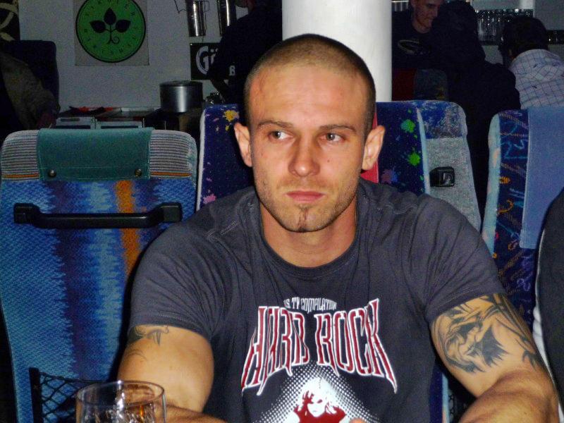 strongbow-garage-6122008-0040.jpg
